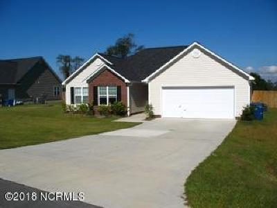 Richlands Single Family Home For Sale: 129 Farmington Drive