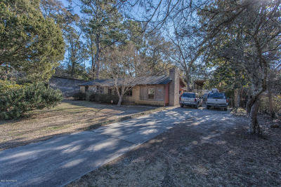 Wilmington Single Family Home For Sale: 2005 Middle Sound Loop Road