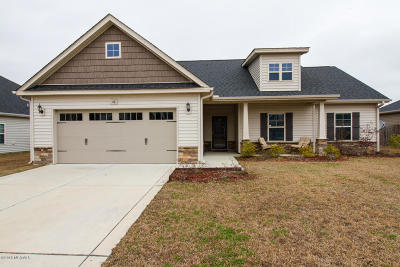 Jacksonville Single Family Home For Sale: 518 New Hanover Trail