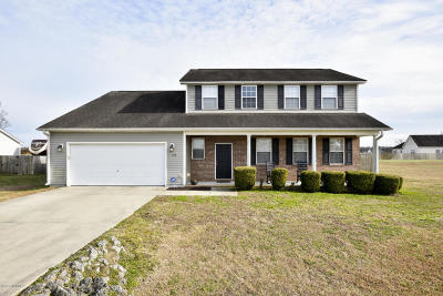 Maysville Single Family Home For Sale: 102 Hardin Drive