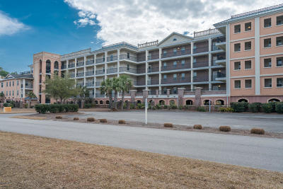 Southport Condo/Townhouse Pending: 3100 Marsh Grove Lane #3111