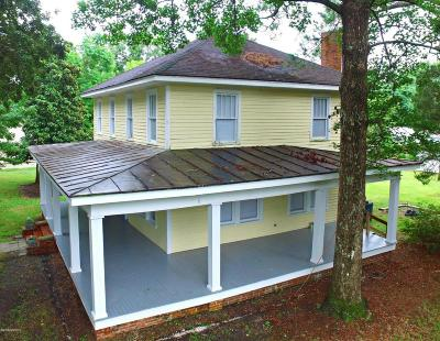 Single Family Home For Sale: 2401 Old Cherry Point