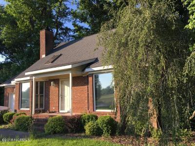 Grimesland Single Family Home For Sale: 3101 Landing Circle