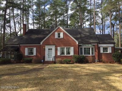 Single Family Home For Sale: 400 S Taylor Street