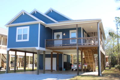 Oak Island Single Family Home For Sale: 130 NE 17th Street