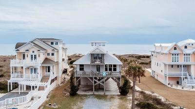 Oak Island Single Family Home For Sale: 6927 Kings Lynn Drive