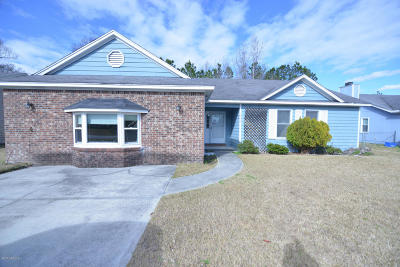 Onslow County Single Family Home For Sale: 2660 Idlebrook Circle