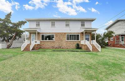 Wrightsville Beach Multi Family Home For Sale: 17 Coral Drive