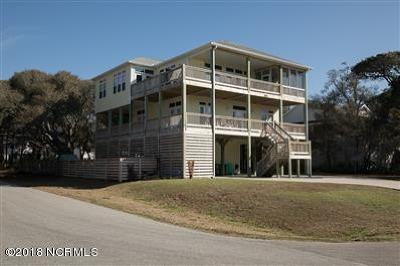 Oak Island Single Family Home For Sale: 6402 Tortoise Shell Court