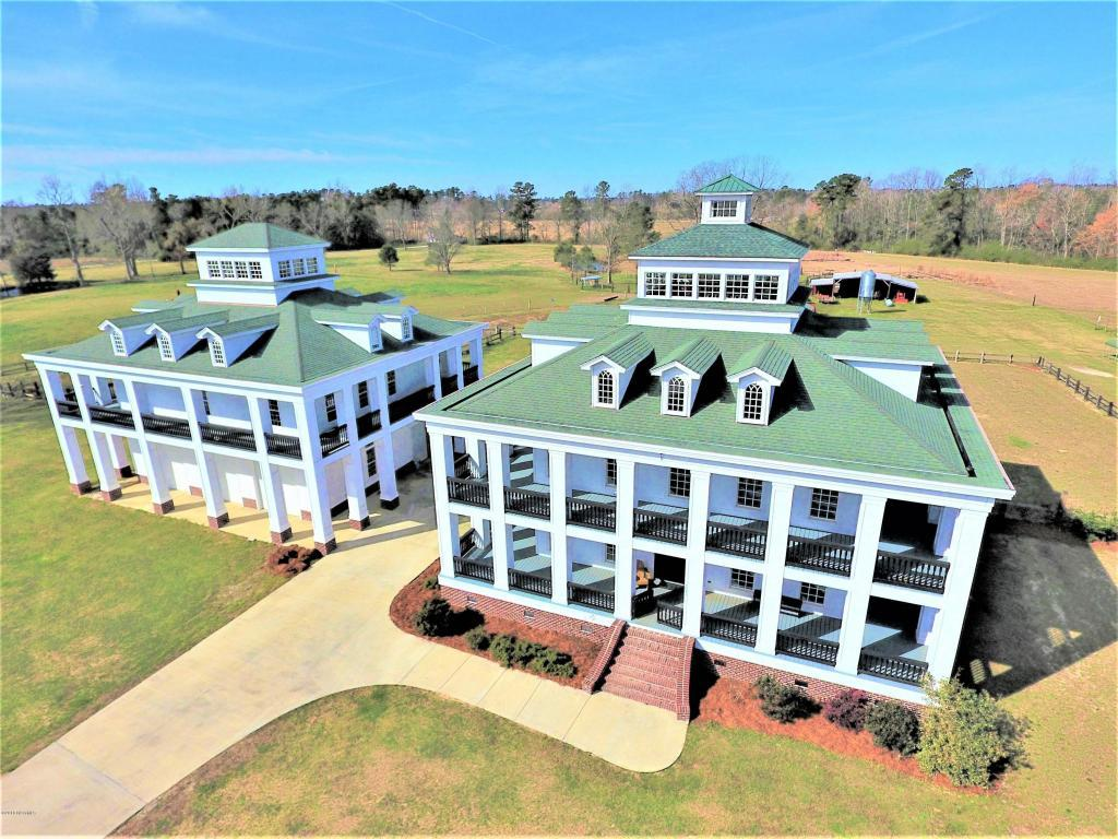 5 bed / 4 full, 1 partial baths Home in Whiteville for $800,000