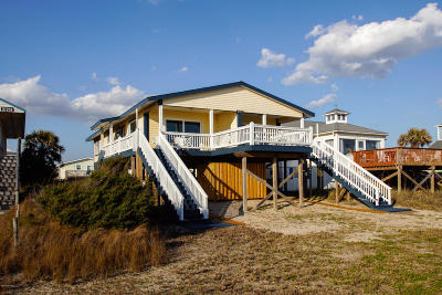 Oak Island Single Family Home For Sale: 3727 E Beach Drive