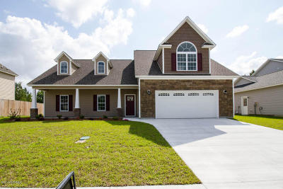 Jacksonville Single Family Home For Sale: 815 Tuscarora Trail
