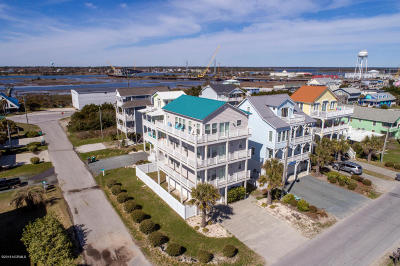 Surf City Single Family Home For Sale: 413 S Shore Drive