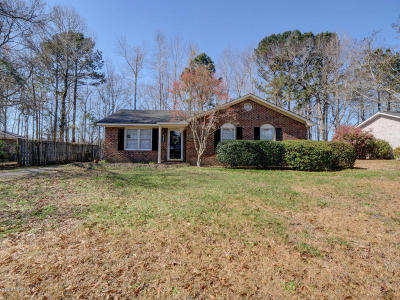 Wilmington Single Family Home For Sale: 206 Candlewood Drive