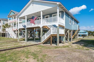 Oak Island Single Family Home For Sale: 3314 W Beach Drive