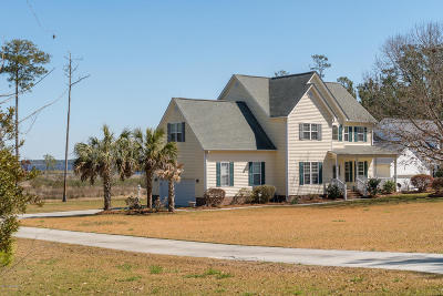 Swansboro Single Family Home For Sale: 419 S Plantation Lane