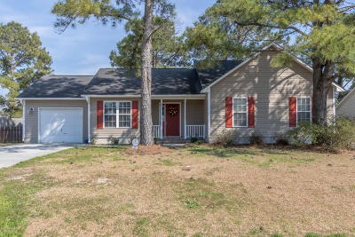 Jacksonville Single Family Home For Sale: 105 Bennie Court