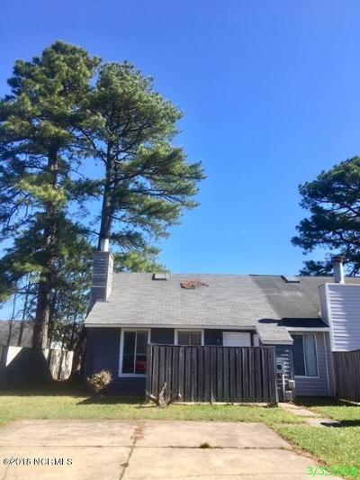 Onslow County Condo/Townhouse For Sale: 109 Marlene Drive