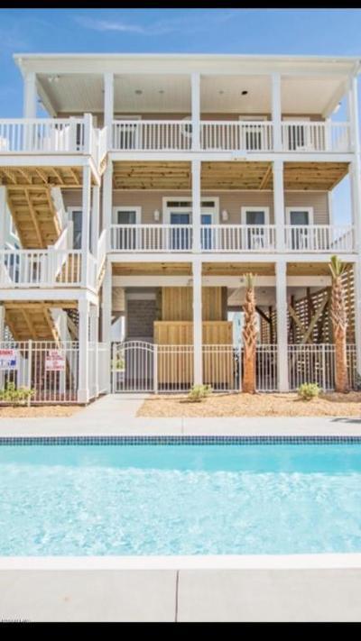 Oak Island Single Family Home For Sale: 4014 E Beach Drive #B