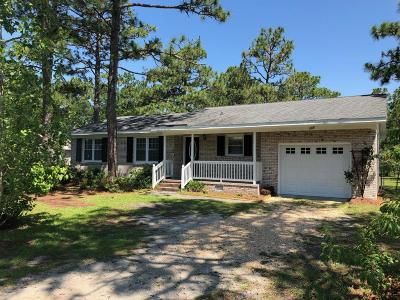 Newport Single Family Home For Sale: 105 Bayberry Road