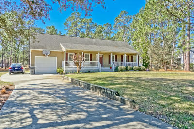Southport Single Family Home For Sale: 1146 Twin Lakes Drive