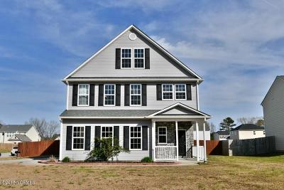 Richlands Single Family Home For Sale: 201 Groveshire Place
