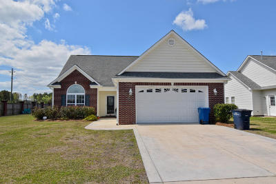 Onslow County Single Family Home For Sale: 101 Weatherford Drive
