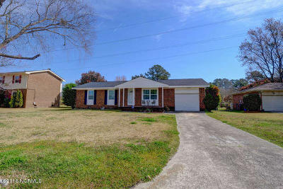 Jacksonville Single Family Home For Sale: 109 Valley Court