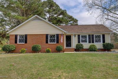 Onslow County Single Family Home For Sale: 102 Northview Court