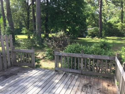 Morehead City Single Family Home Active Contingent: 3313 Country Club Road