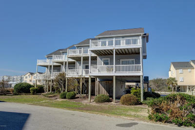 Surf City Condo/Townhouse For Sale: 402 Sandpiper Lane