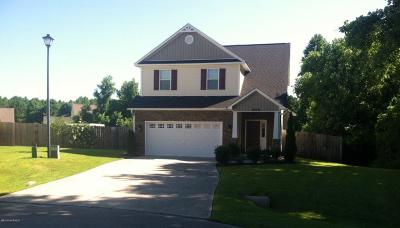 Jacksonville Single Family Home For Sale: 406 Grey Squirrel Court