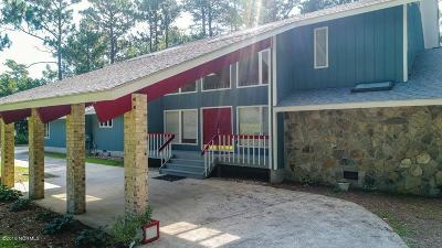 Morehead City Single Family Home For Sale: 107 Oakmont Court