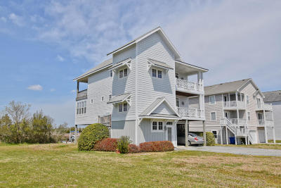 North Topsail Beach, Surf City, Topsail Beach Single Family Home For Sale: 135 Old Village Lane
