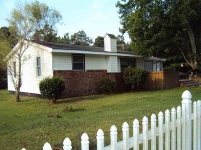 Onslow County Single Family Home For Sale: 122 Patricia Lane