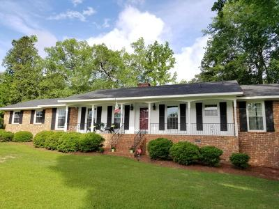 Greenville NC Single Family Home Active Contingent: $235,000