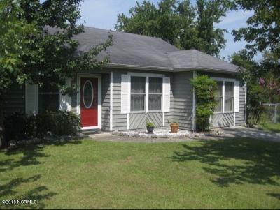 Newport Single Family Home For Sale: 519 Sunrise Walk