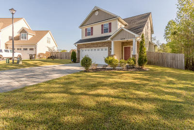 Onslow County Single Family Home For Sale: 406 Grey Squirrel Court