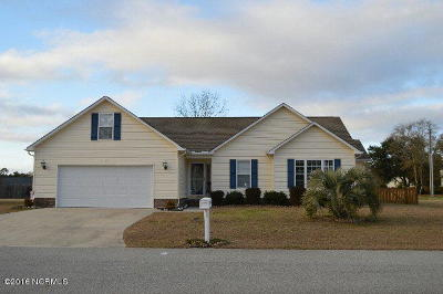 Holly Ridge, Sneads Ferry, Surf City, Topsail Beach Rental For Rent: 502 Compass Court