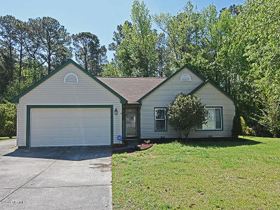 Jacksonville Single Family Home For Sale: 826 Shadowridge Road