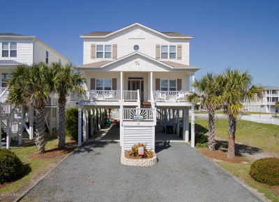 Ocean Isle Beach Single Family Home For Sale: 13 Cumberland Street