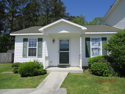 Jacksonville Single Family Home For Sale: 406 Winners Circle N
