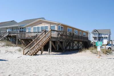Oak Island Single Family Home For Sale: 501 W Beach Drive