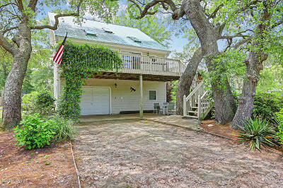 Oak Island Single Family Home For Sale: 2505 W Oak Island Drive
