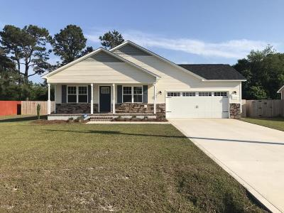 Onslow County Single Family Home Active Contingent: 103 Chasity Way