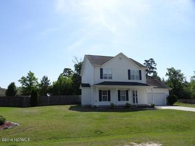 Richlands Single Family Home For Sale: 137 Acorn Way