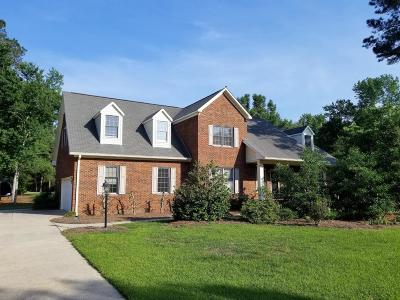 New Bern Single Family Home For Sale: 6009 Clubhouse Drive