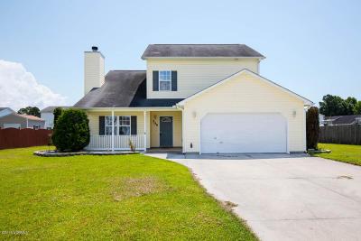 Hubert Single Family Home For Sale: 304 Mann Street