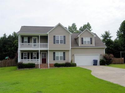 Jacksonville Single Family Home For Sale: 102 Bertie Court