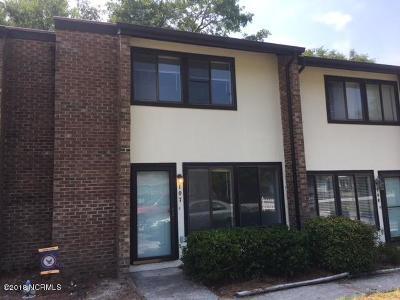 Morehead City Condo/Townhouse For Sale: 113 Bonner Avenue #107